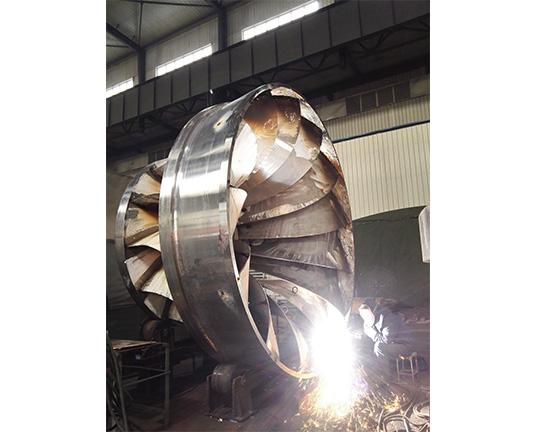 混流式水轮机转轮组焊